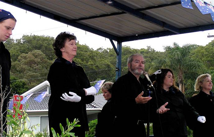 Chris Dillon Sing with the Signing Choir at a Wagstaffe Event